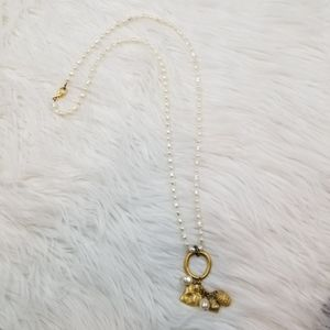 Pearl and Gold Pendant Necklace